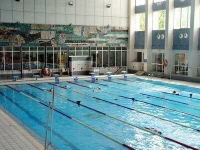 El ayuntamiento paraliza el concurso de la piscina de for Piscina climatizada valencia