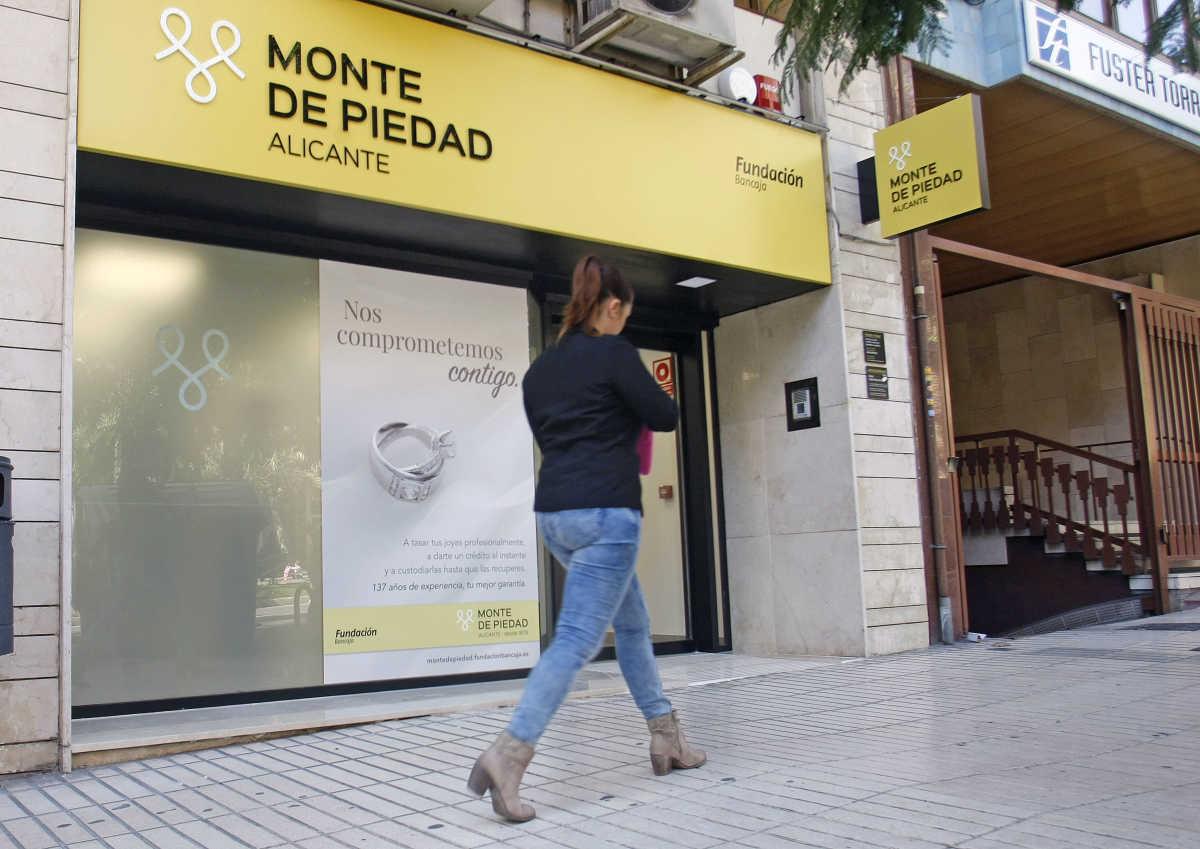 Fundaci n bancaja abre en alicante una oficina del monte for Inmobiliaria bancaja