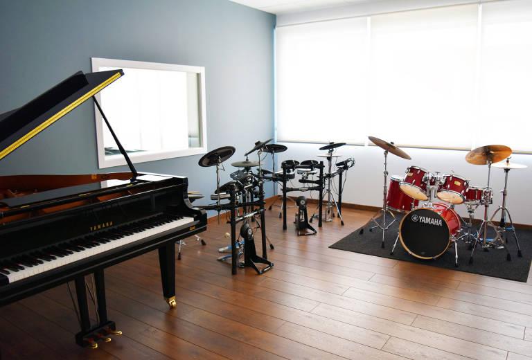 Yamaha abre una de sus escuelas de m sica en valencia con for Yamaha music school los angeles