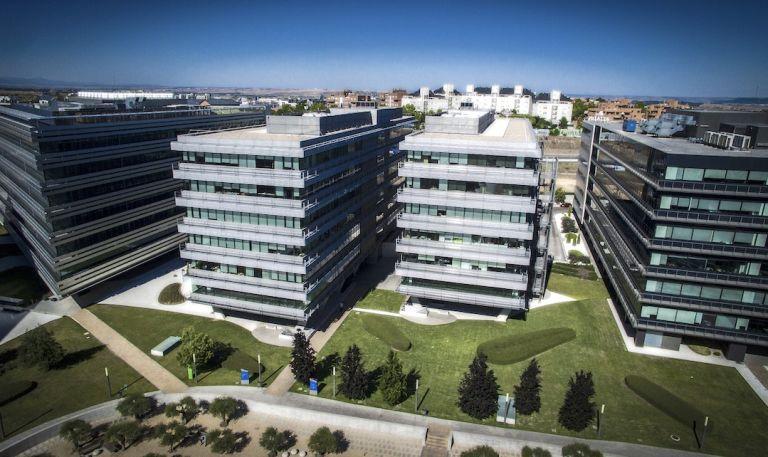 La socimi axiare sigue de compras adquiere tres edificios for Edificio oficinas valencia
