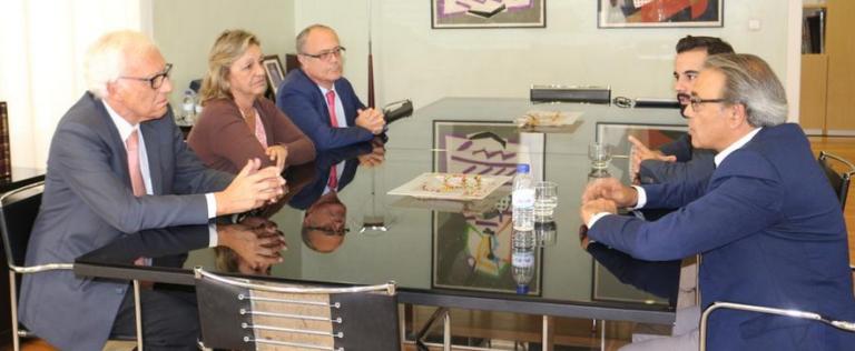 Mata pspv cuestiona la necesidad de la oficina for Oficinas hacienda valencia
