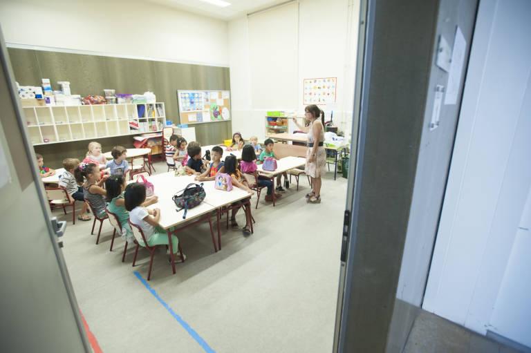 La escuela infantil se ahoga en la deuda del bono la beca - Becas comedor valencia ...