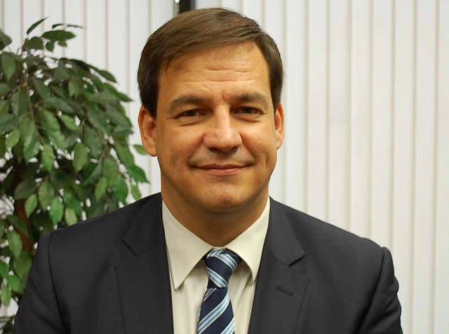 Eduardo holgado terriza nuevo director territorial de for Cajamar valencia oficinas
