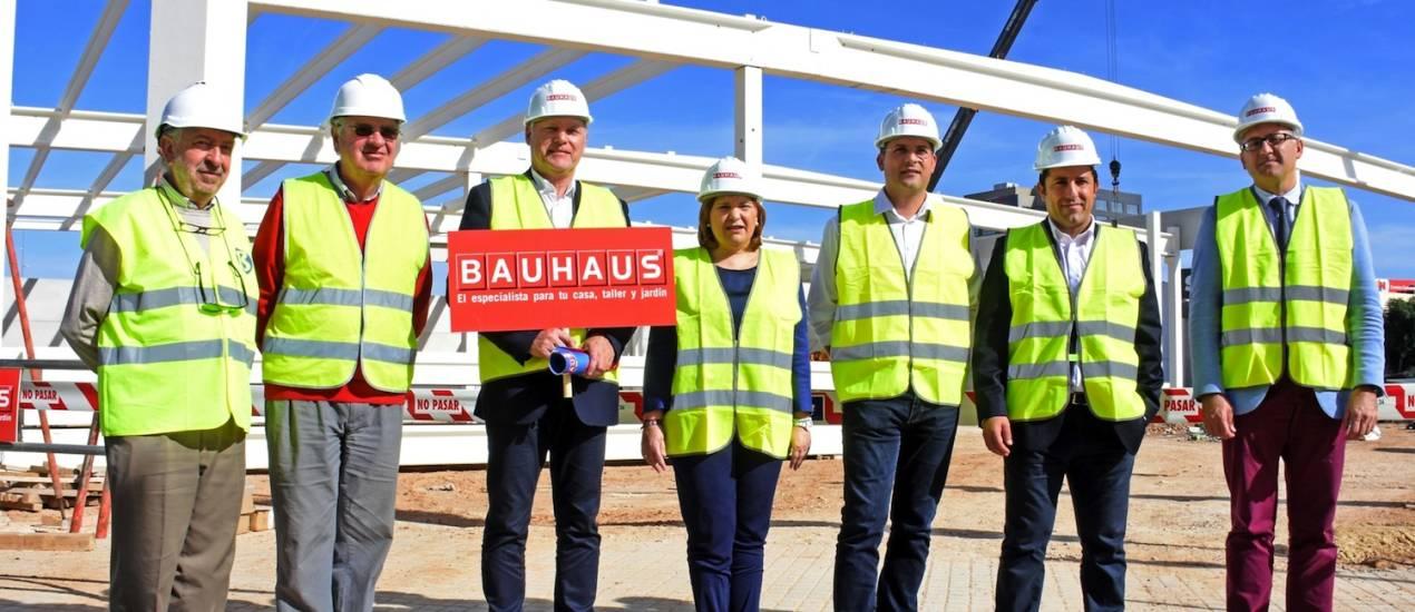 bauhaus recibe solicitudes de empleo para su nueva tienda en alfafar