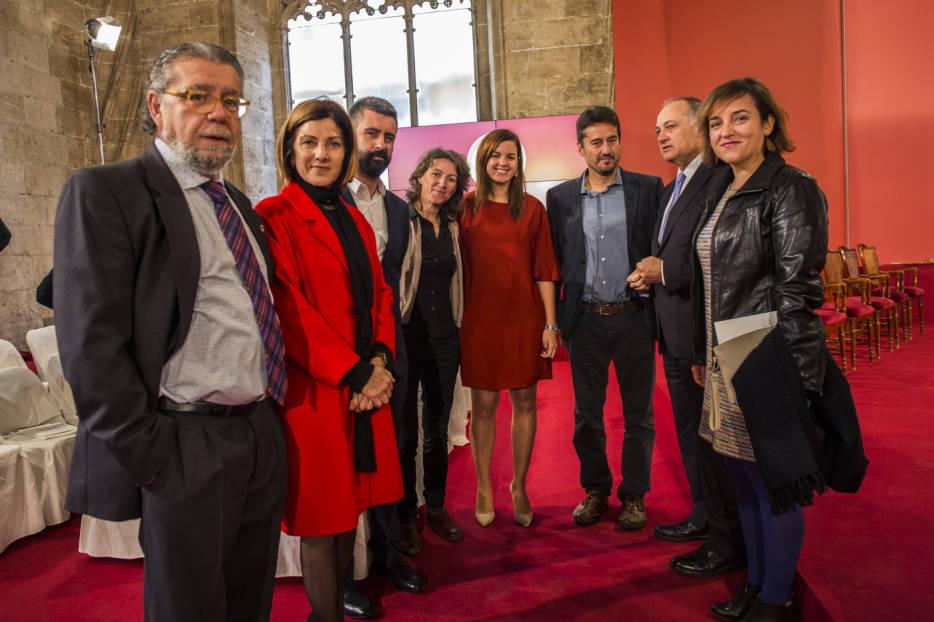 Fotogaler a premios rey jaime i valencia plaza for Inmobiliaria bancaja
