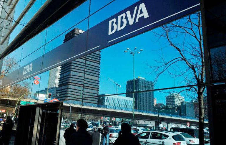 bbva tiene previsto cerrar el 4 de su red de oficinas en