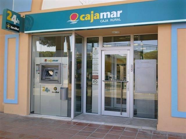 Trea am cumple un a o gestionando los fondos de cajamar en for Cajamar oficinas valencia