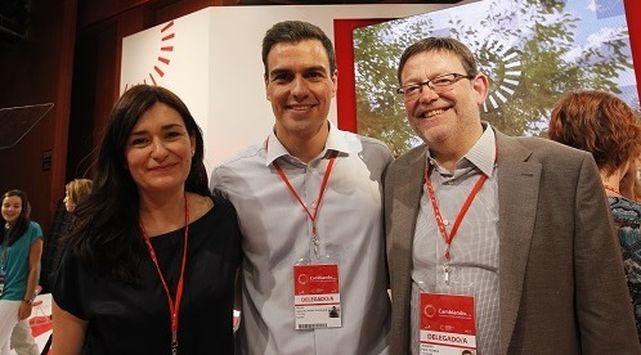 Eran otros tiempos. Montón y Puig posando juntos con Pedro Sánchez