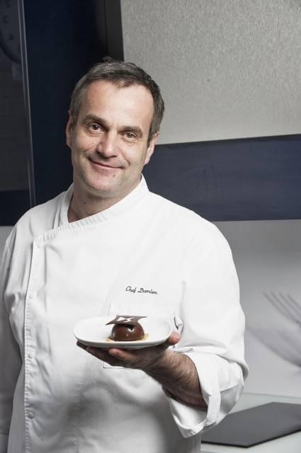Plaza motor un chef franc s crea un pastel inspirado en for Chef en frances