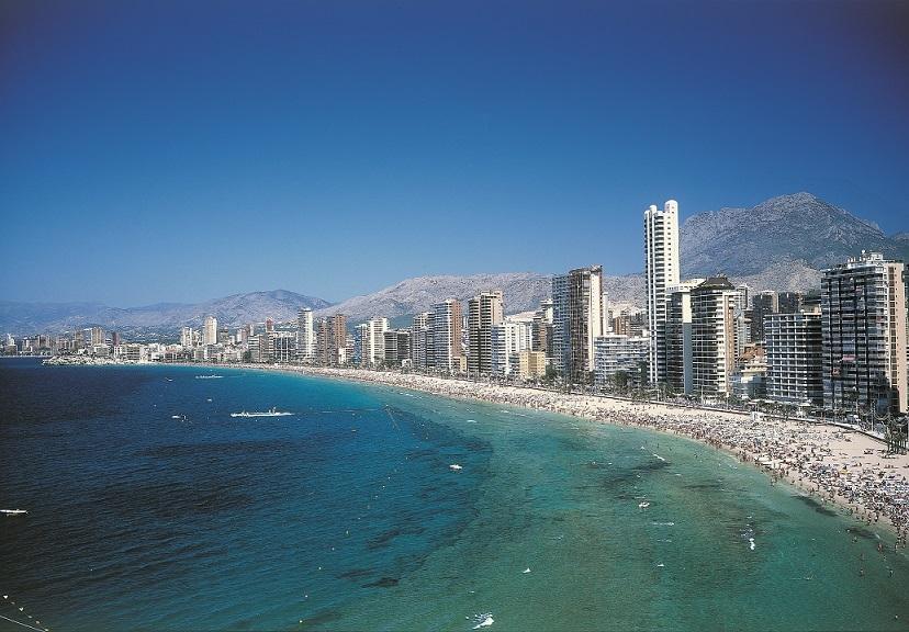 Turismo instalar casetas vestuario en las playas for Oficina turismo benidorm