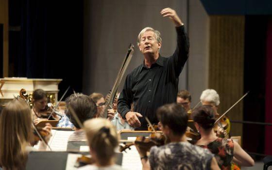 Gardiner Bach : Sir john eliot gardiner vuelve a valencia con la pasión según san
