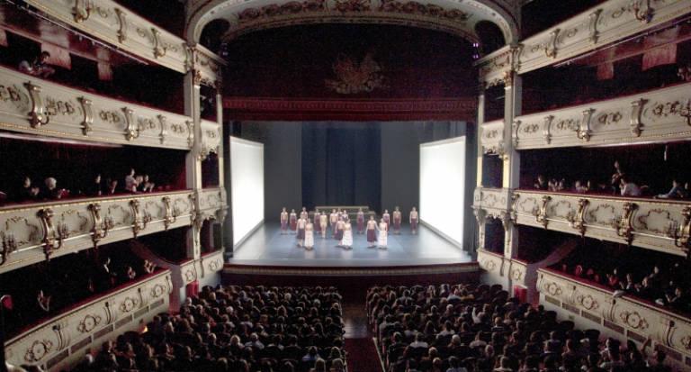 Opini nvp m s teatro del bueno por favor por j r segu for Teatro principal valencia