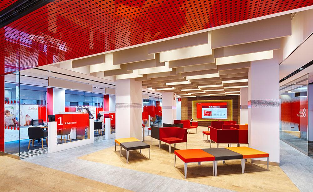 Banco santander sigue la estela de bankia valencia plaza for Sucursales banco espana