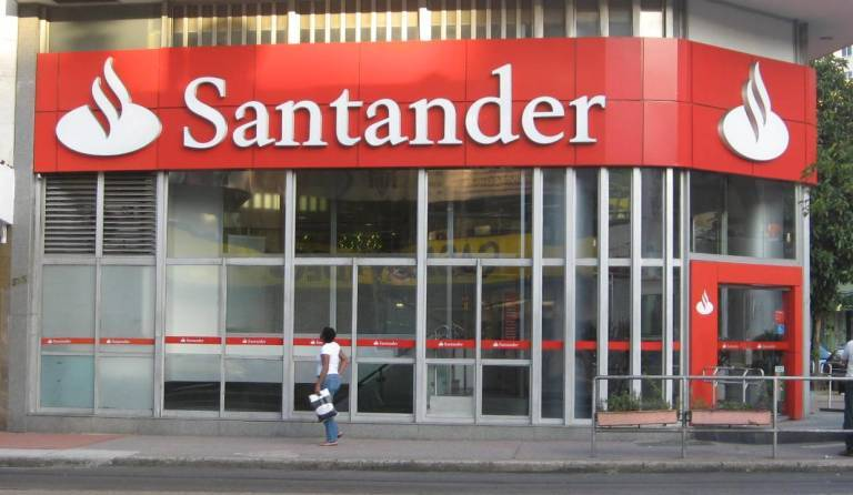 As est transformando la banca espa ola sus tradicionales for Oficina santander