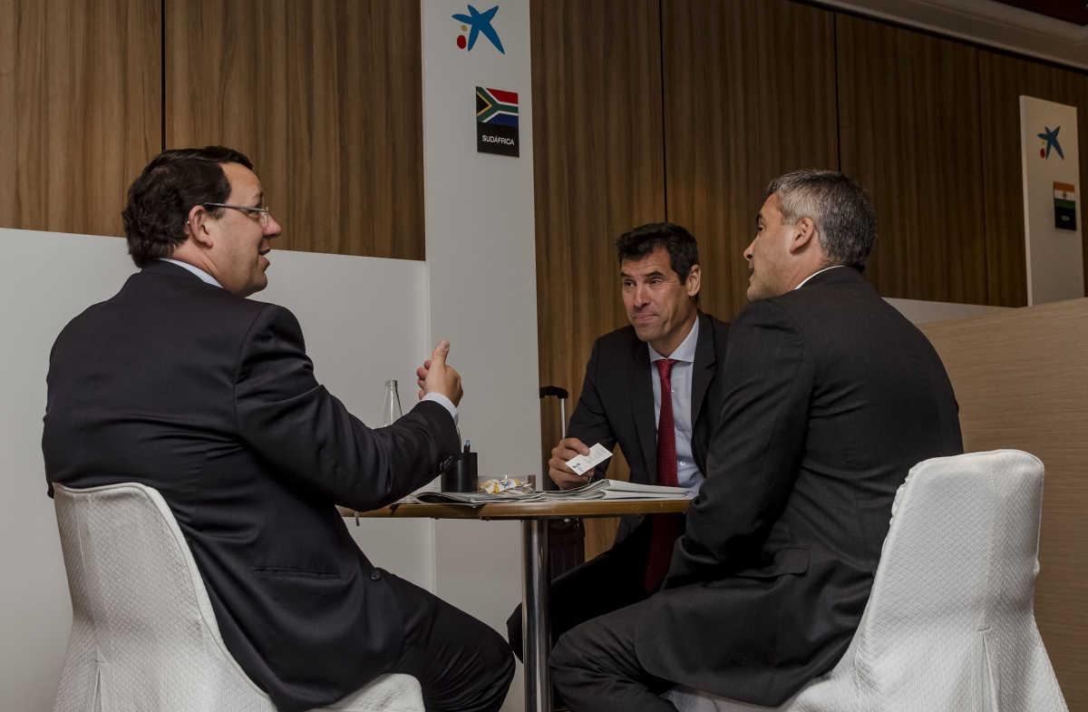 Caixabank impulsa la internacionalizaci n de las empresas for Oficinas caixabank valencia