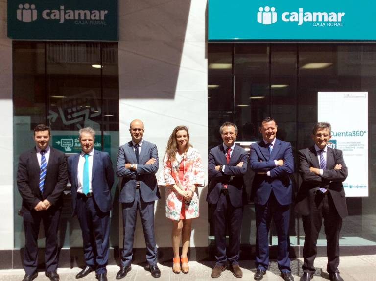 cajamar caja rural abre oficina en m rida valencia plaza