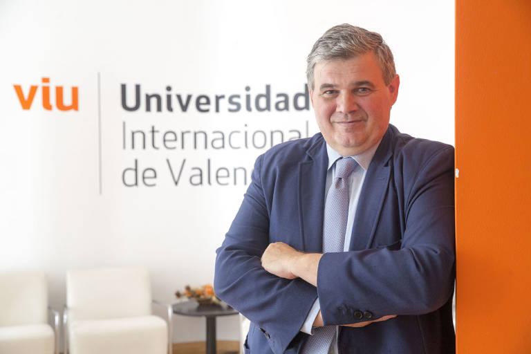 Javier viciano si formamos pilotos y m sicos online for Universidad de valencia online
