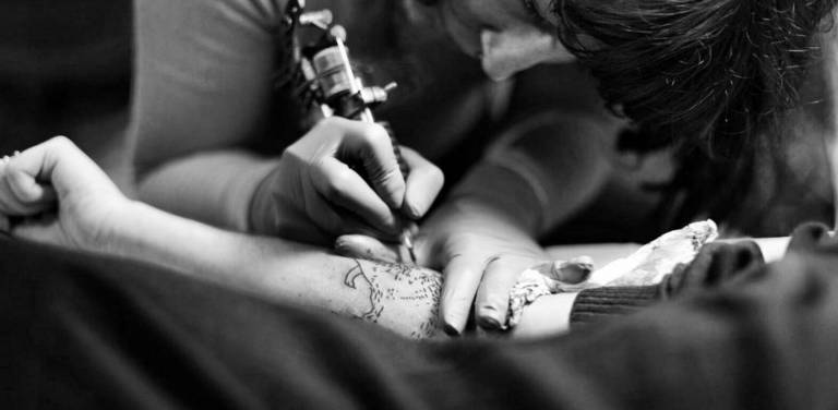 Tatuando un cono