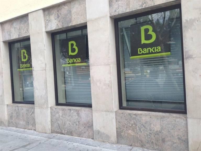 Espa a tiene la red de sucursales bancarias m s densa de for Oficinas bancarias abiertas por la tarde