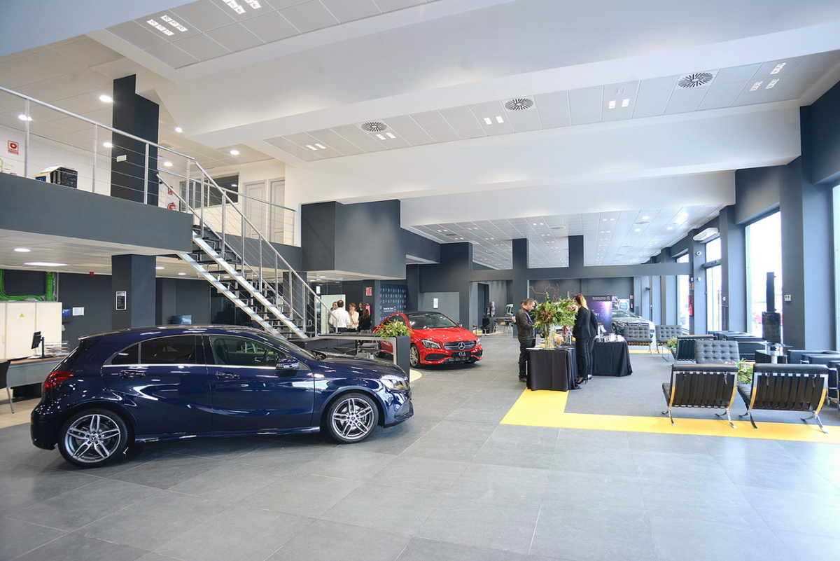 Plaza motor mercedes benz valencia presenta sus nuevas for Mercedes benz valencia