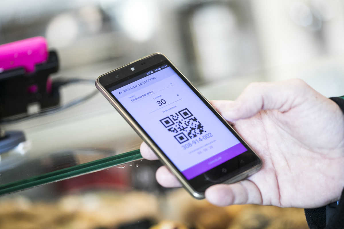 Wohcash la 39 startup 39 valenciana que convierte cualquier for Dinero maximo cajero