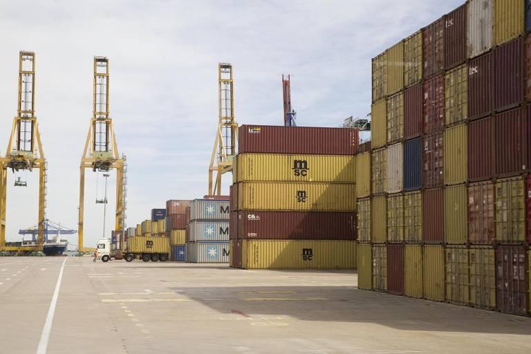 Los estibadores vuelven a parar el puerto de valencia a cinco d as del inicio de la huelga - Casa de los caramelos valencia ...