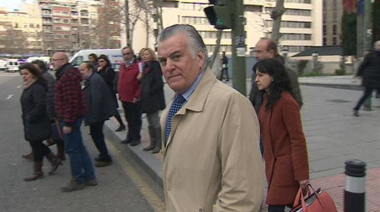 Luis Bárcenas, tras declarar en el juicio de este martes. Foto: EFE