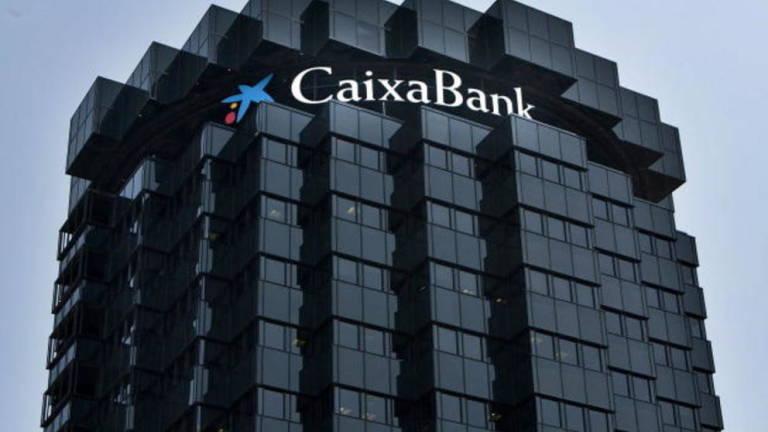 Caixabank cierra su plan de prejubilaciones con 610 for Oficinas caixabank valencia