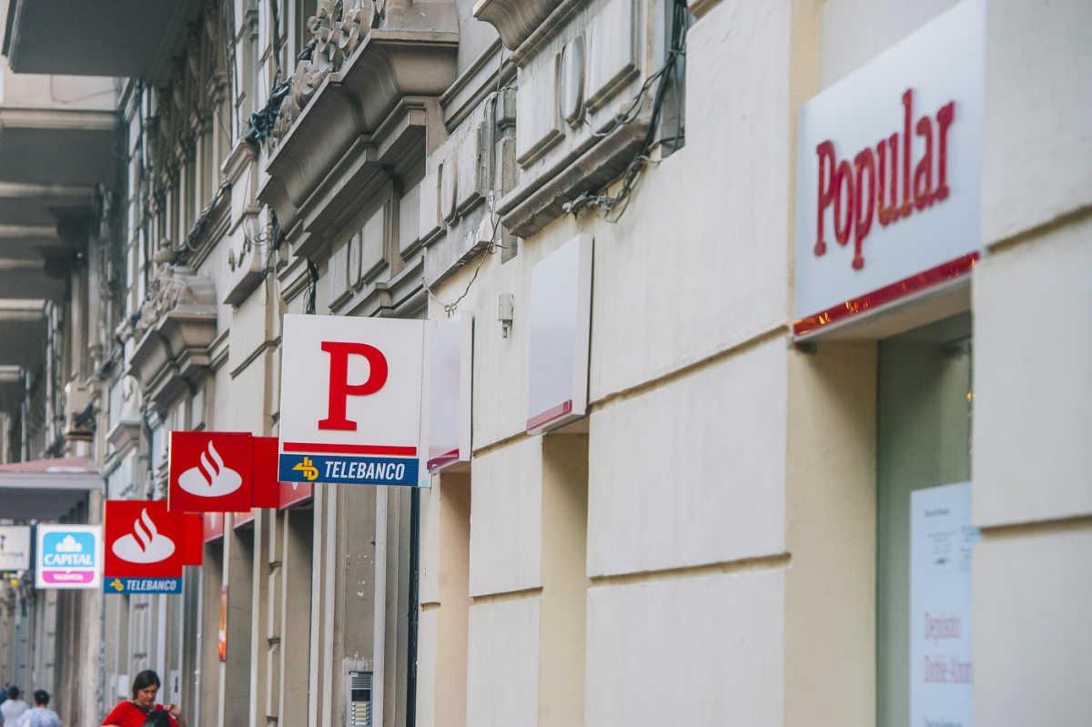 Santander y popular se solapan en el 98 de su red en la for Santander oficinas valencia