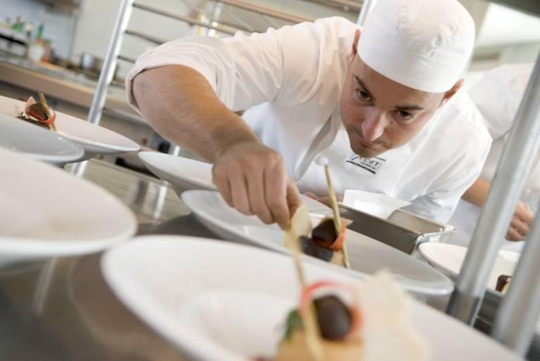 La empleabilidad de los cursos de cocina de los cdt supera for Donde estudiar cocina