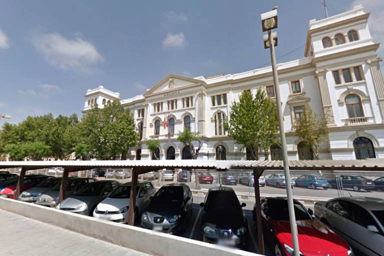 La sede de la agencia tributaria en la aduana tambi n ser for Oficinas hacienda valencia