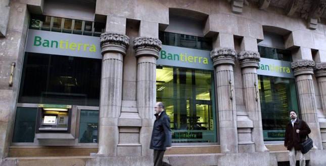 bantierra vende la red de oficinas de caja abogados a