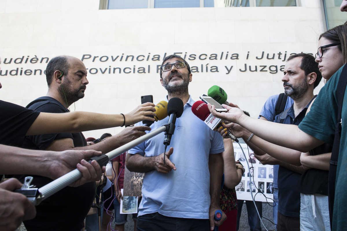 Familiares de v ctimas de la fosa 113 agotar n todas las - Reparacion tv valencia ...