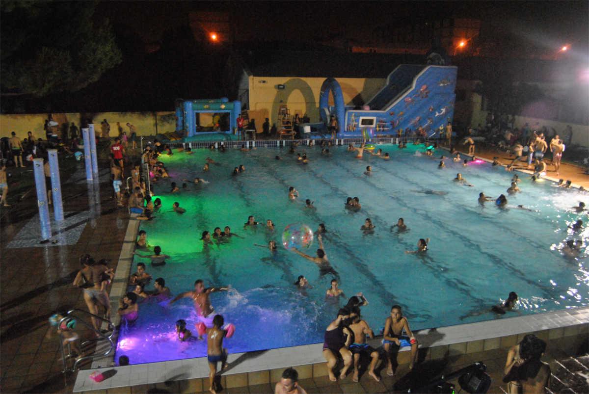 val ncia las fiestas nocturnas vuelven a la piscina del