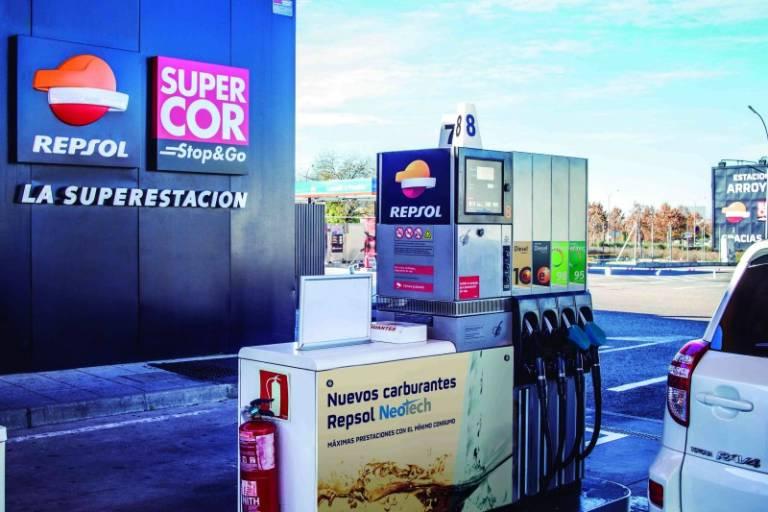 """Resultado de imagen de Bajo la marca """"Supercor Stop & Go"""" El Corte Inglés y Repsol"""