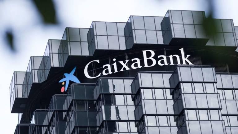 Caixabank ampl a su red de oficinas fuera de espa a con la for Oficinas caixabank valencia