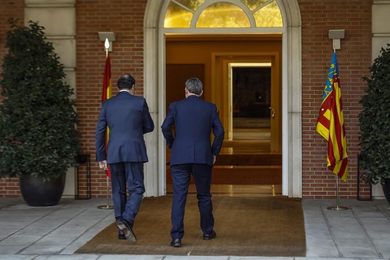 Mariano Rajoy y Ximo Puig entrando juntos en La Moncloa. Foto: EFE