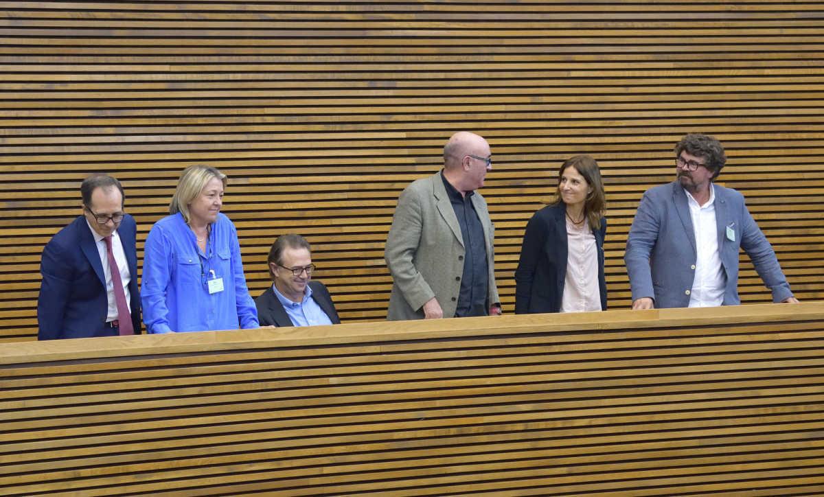 Enrique Soriano, Mar Iglesias, José María Vidal, Vicente Vergara, Raquel Piqueras y José María Martínez. Foto: CORTS