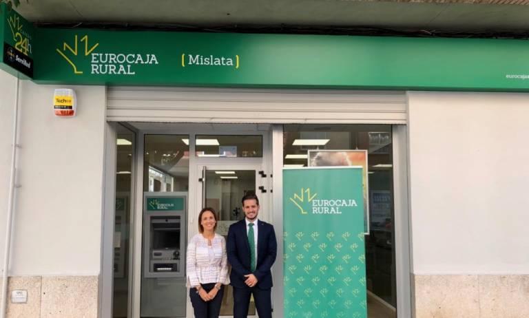Eurocaja rural completa su primer desembarco en la for Caja murcia valencia oficinas