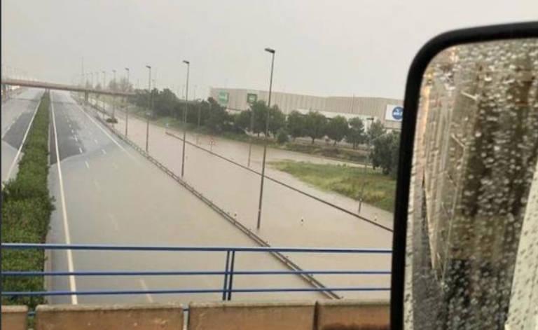 La lluvia corta la pista de silla y genera retenciones - Toyota pista silla ...