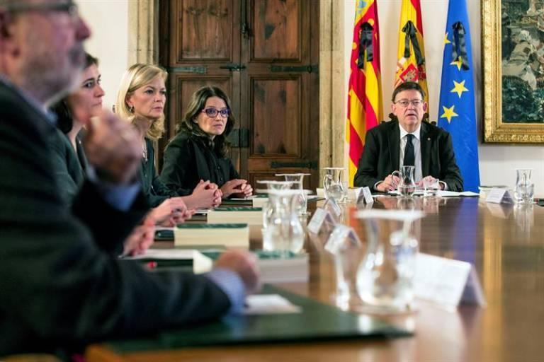 Ximo Puig y Mónica Oltra en un pleno del Consell