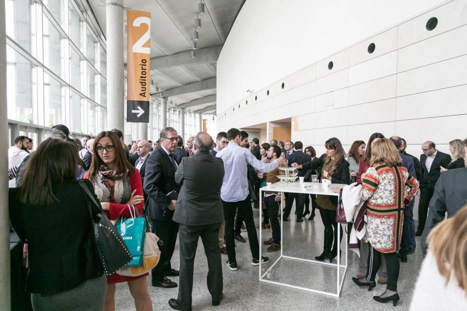 Directivos valencianos debaten en reinv ntate 2018 sobre los cambios tecnol gicos y sociales en - Empresas de comedores escolares valencia ...