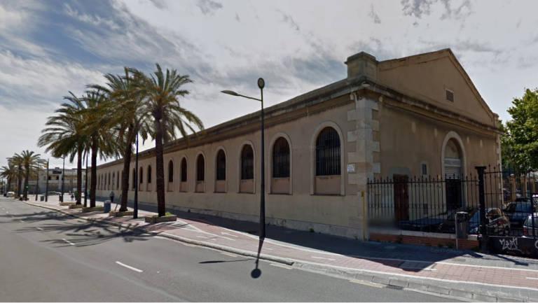 La agencia tributaria convertir la nave de la renta en un for Oficinas de agencia tributaria en barcelona