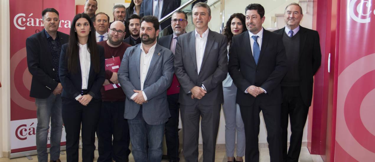 Mario mart nez renueva la presidencia en la c mara de orihuela y reclama mejoras en las - Casa de los caramelos valencia ...