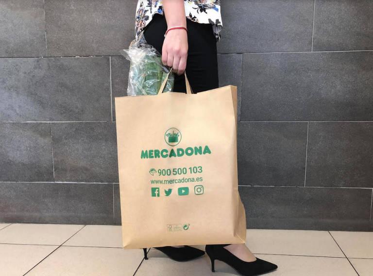 Mercadona se adelanta a la prohibición de bolsas de plástico