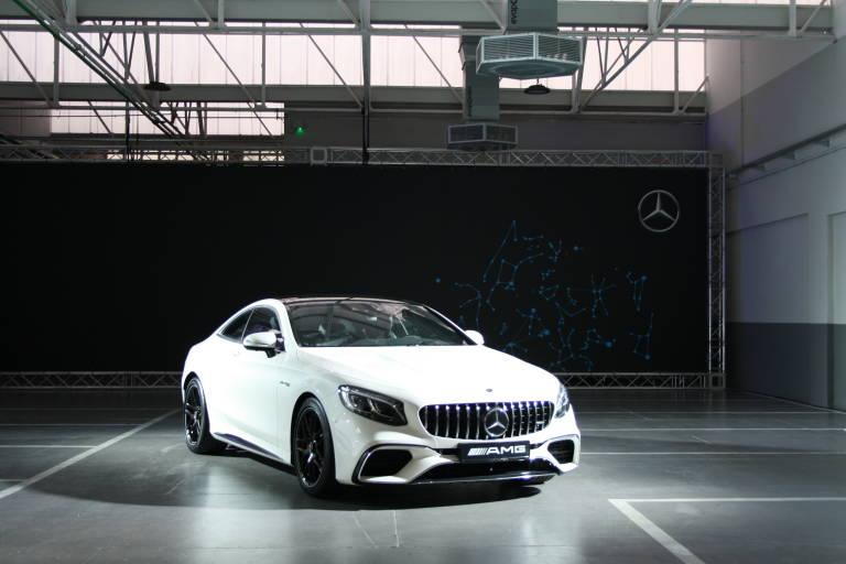 Plaza motor mercedes benz valencia inaugura su nuevo for Mercedes benz valencia