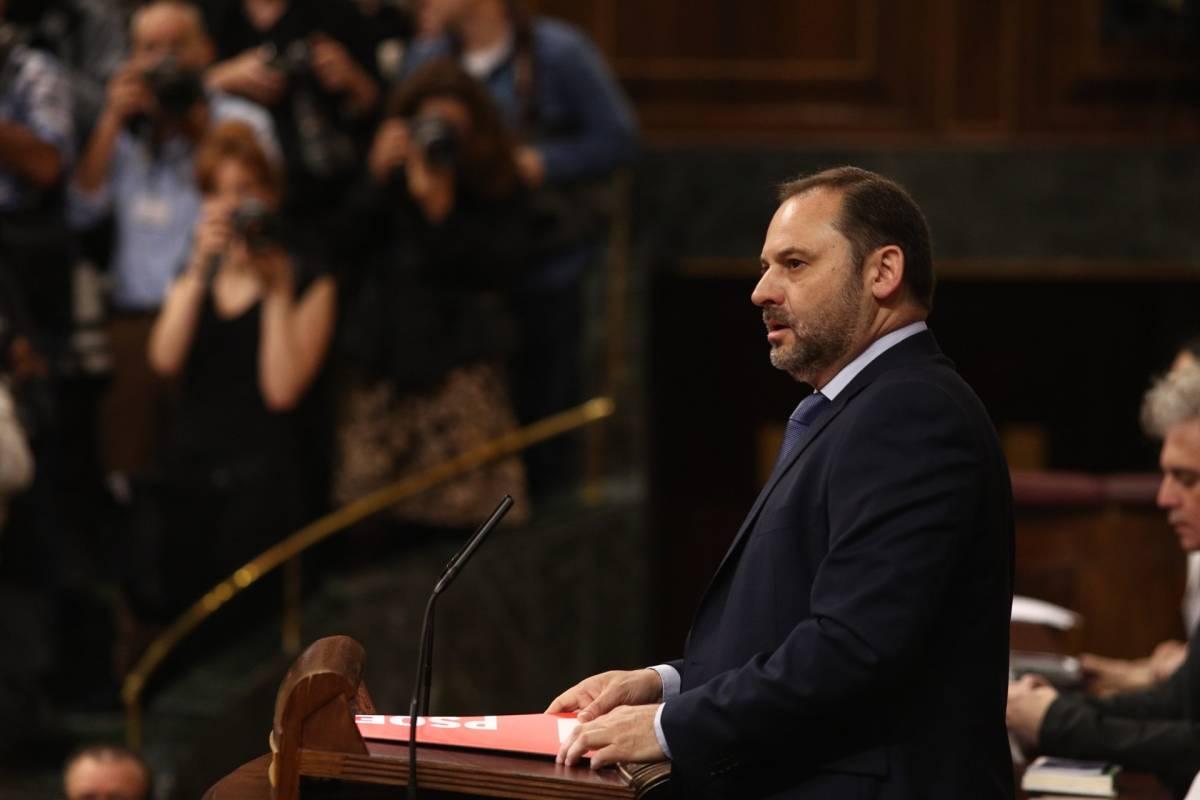 El valenciano José Luis Ábalos, pieza clave de Sánchez para apuntalar la arquitectura parlamentaria de la moción. Foto: EFE