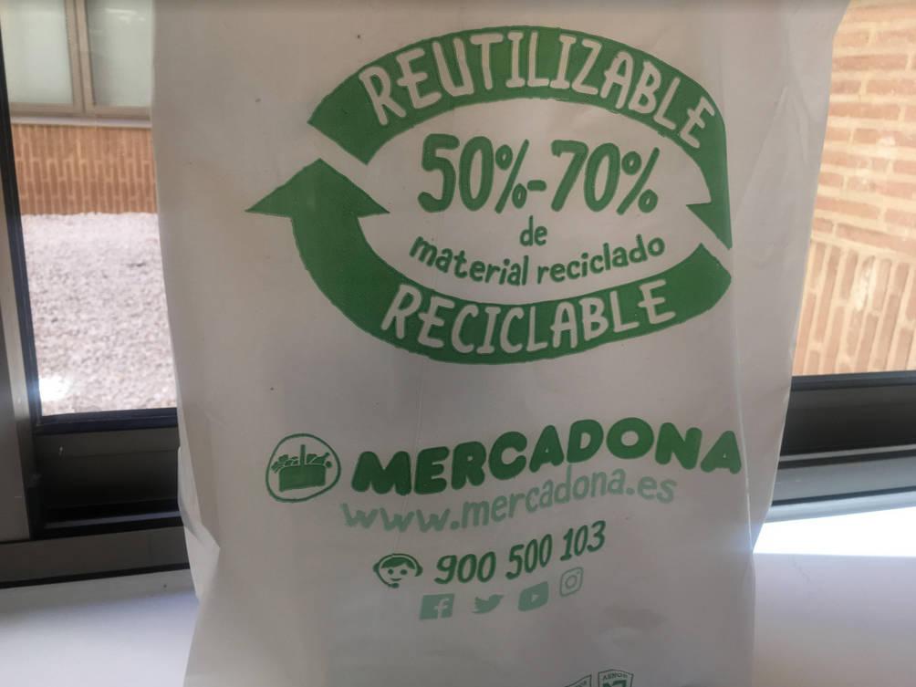 Bolsas Y Equipara Plástico Reciclado El Prueba De Mercadona Las iTZOXuPk