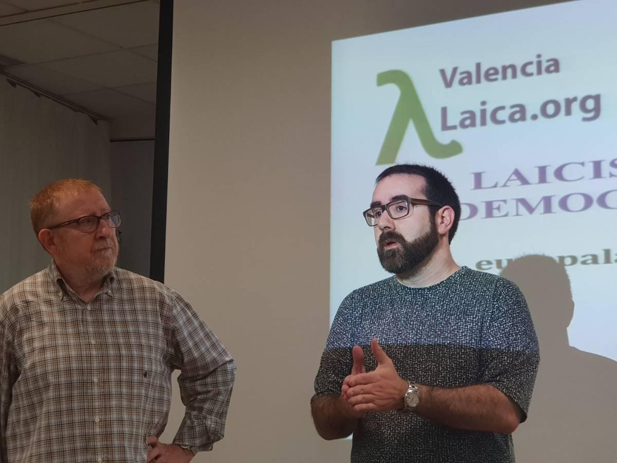 Kilian Cuerda (d), secretario de Laicidad y Nuevos Derechos del PSPV de Valencia