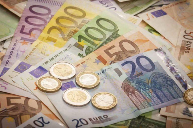 91eb710a61 El Tesoro Público prevé estrenar julio captando hasta 5.500 millones de  euros
